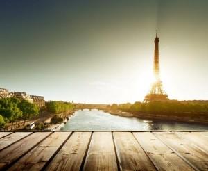 la France tente de faire la synthèse d'apports historiques venus de tous les points de l'horizon